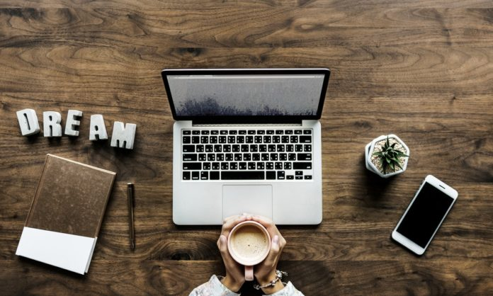 How to get a paid blogging job