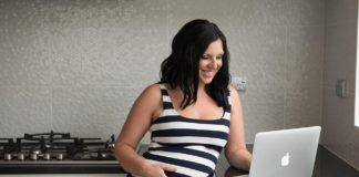 How Stay-at-Home Moms Can Make Money Blogging
